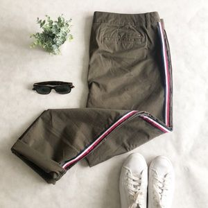 NWOT Tommy Hilfiger chino pants. So cute